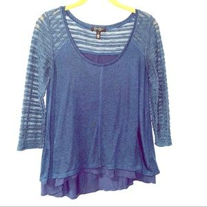 ⭐️Jessica Simpson Lacy Sleeved Top Size S